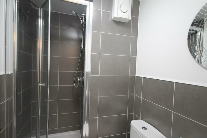 westmorland shower room.jpg